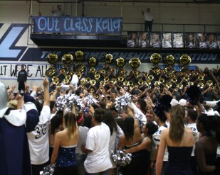 Seniors gather for the alma mater